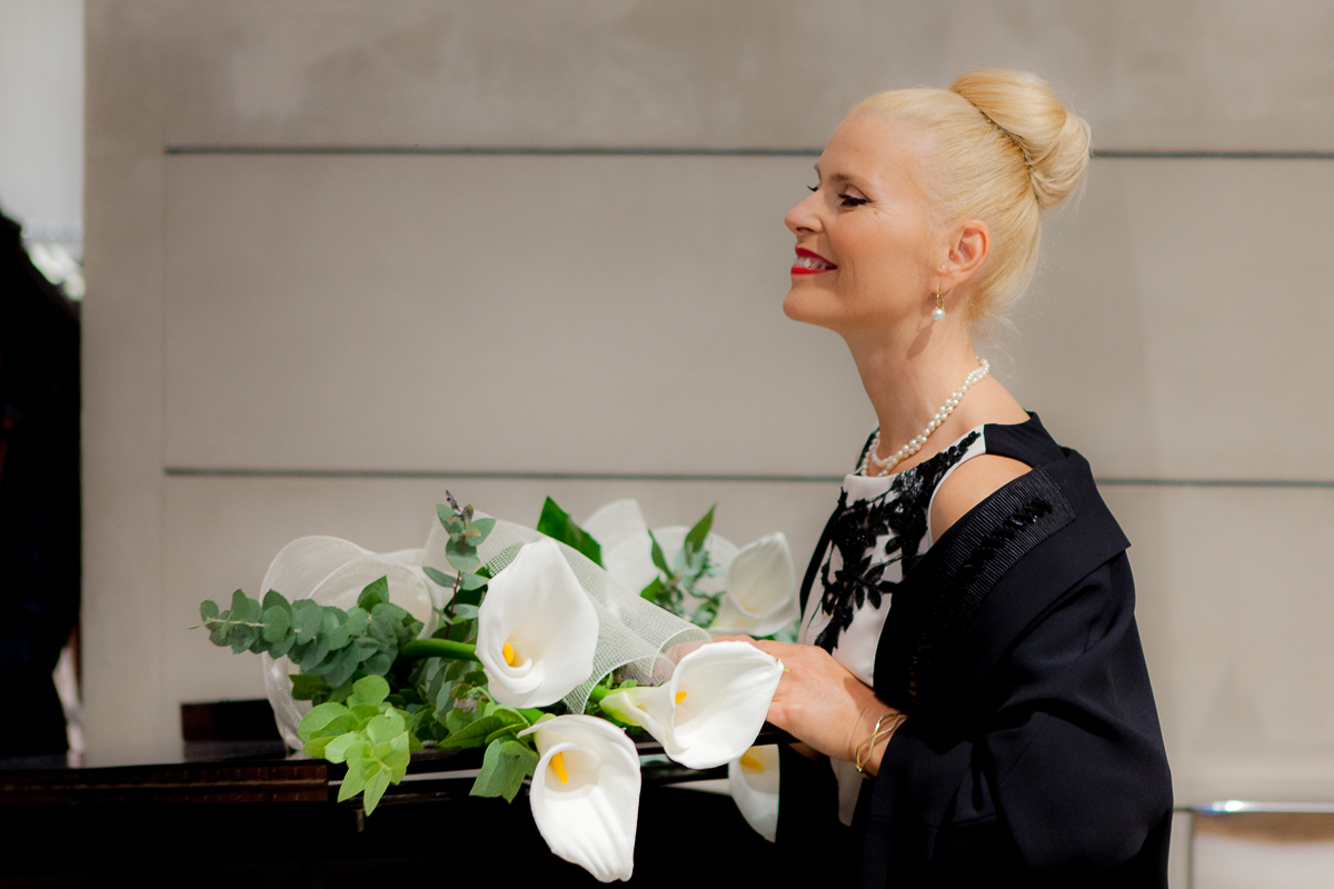 168fd6129b285 Live Performance  Marina Rinaldi Parma Store – Halla Margret Soprano